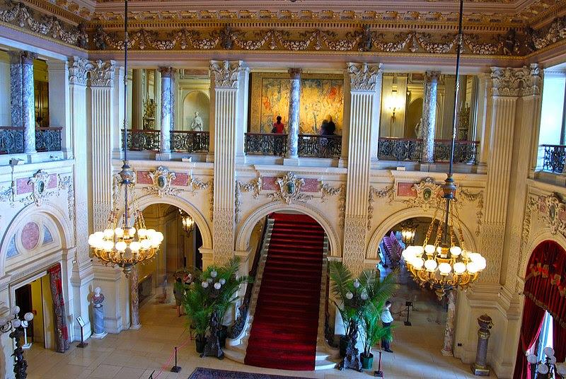 File:Breakers Great Hall.JPG
