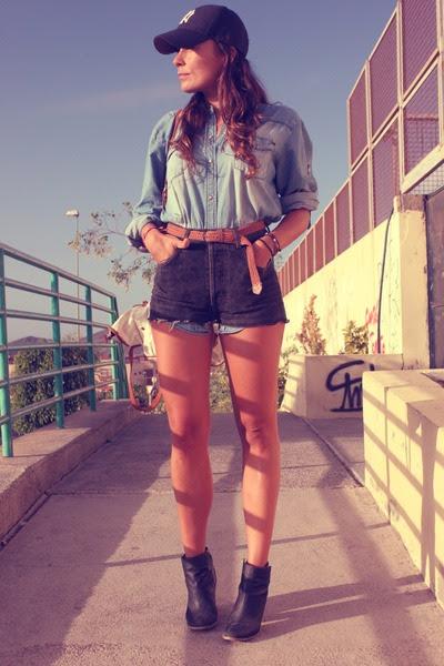 Mango-shirt-black-levis-shorts_400