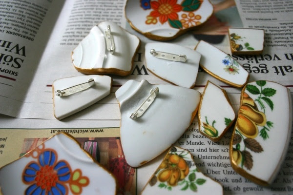 Don't throw away broken or old dishes! they can be used to make jewelry, mosaics, and other items.