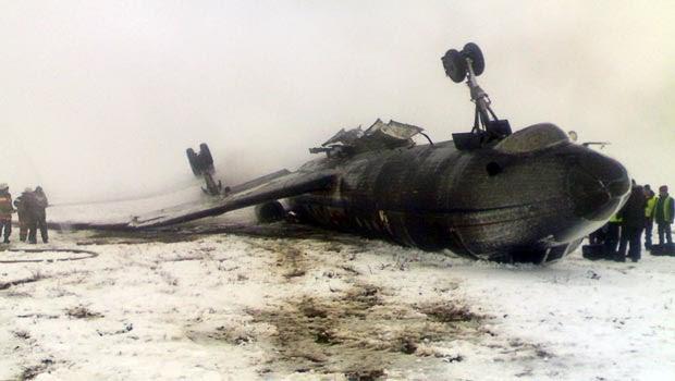 Tupolev 134 vira durante o pouso no Quirguistão