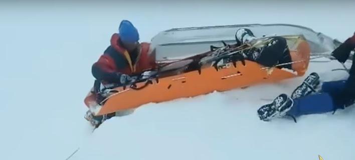 Καϊμακτσαλάν: Η σοκαριστική στιγμή που οι διασώστες βρήκαν τους δύο ορειβάτες θαμμένους στο χιόνι [βίντεο]