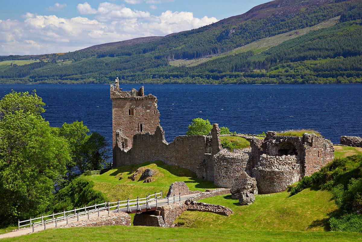 Ruins of Urquhart Castle near Loch Ness lg
