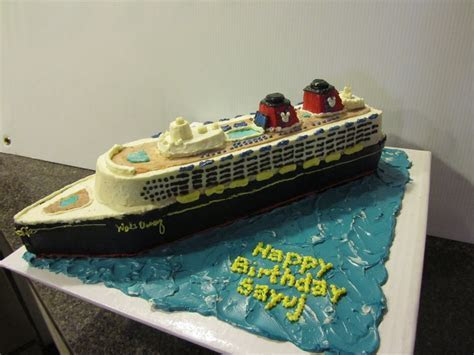 17 Best images about Cruise ship cake on Pinterest   Cake