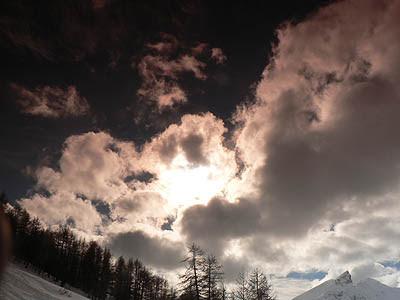 nuages derrière les lunettes.jpg