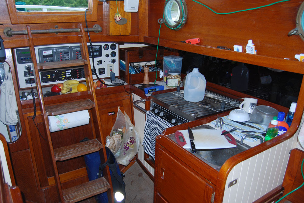 Best Features Of An Offshore Blue Water Sail Boat The Interior