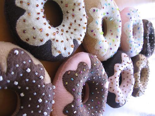 DIY Felt Sew seu próprio Handmade Krispy Kreme Doughnut Plushie estilo