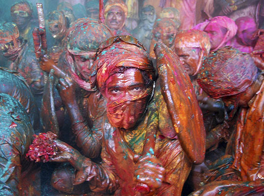 [imagetag] http://static.guim.co.uk/sys-images/Guardian/Pix/pictures/2010/2/24/1267012045263/Lathmar-Holi-in-Barsana-I-001.jpg