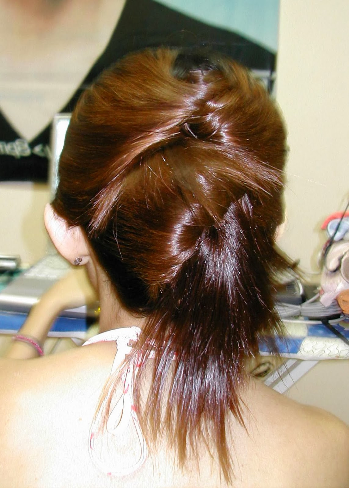 20 Easy Updo Hairstyles for Long Hair - MagMent