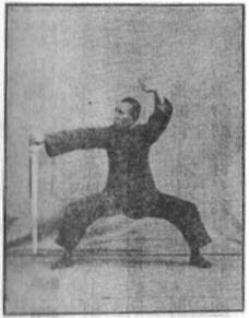 《昆吾劍譜》 李凌霄 (1935) - posture 20