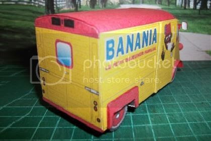 photo banania.truck.papercraft.via.papermau.02_zpsshjpvims.jpg