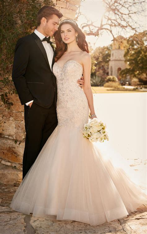 Plus Size Fit and Flare Wedding Dress with Tulle Skirt