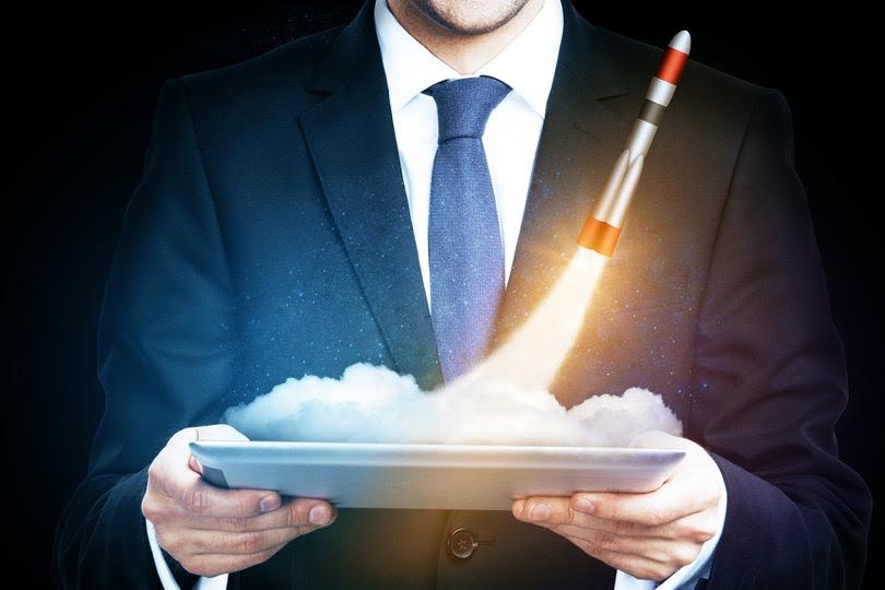 Una lista de verificación de 10 pasos para lanzar un negocio de SaaS con un golpe