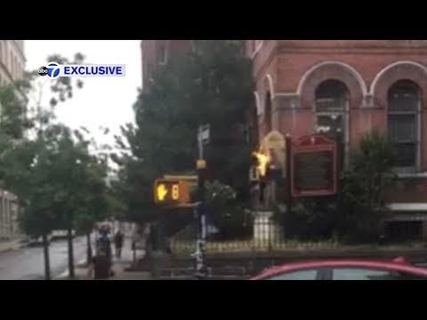 Vídeo: Mujer le prendió fuego a  estatua  de la Virgen María