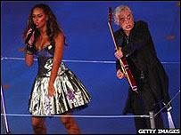 Jimmy Page con Leona Lewis en las Olimpiadas de Pekín