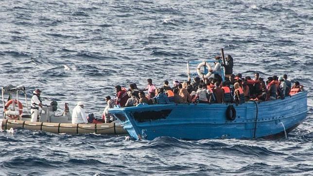 Al menos 166 inmigrantes ilegales acuden a Lampedusa poco antes de la llegada del Papa