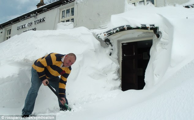 Only today has landlord Keith Jackson managed to clear the entrance, afte the snow reached the windowsill