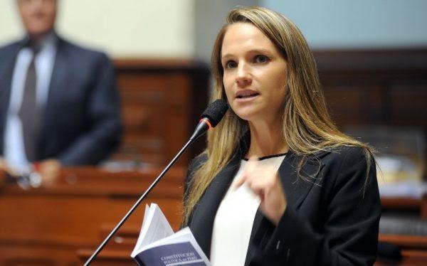 most-gorgeous-female-politicians-Luciana-Leon