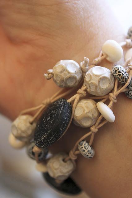 Achat-Bracelet mit Hornperlen