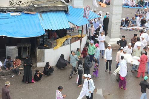 muslim beggars waiting near station road sunni mosque ..bandra by firoze shakir photographerno1