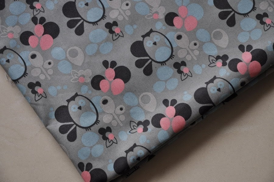 A4 - Sale - Lovely cotton fabric - cuttie owl - 20in x 22in
