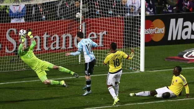 Ospina fez uma defesa inacreditável diante de Lionel Messi