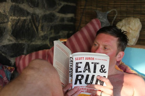 Eat and Run? Read and Drink! by ultraBobban
