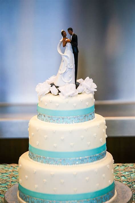 25  best ideas about Tiffany wedding cakes on Pinterest