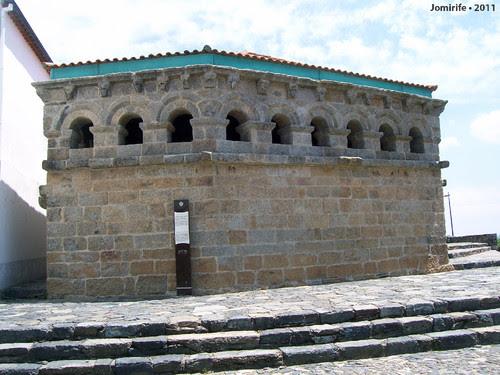 Castelo de Bragança: Domus Municipalis