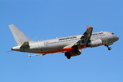 Jetstar Pacific Airlines (Jetstar.com) Airbus A320-232 VN-A556 (msn 2340) TPE (Manuel Negrerie). Image: 921958.