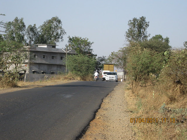 You will be never lonely on the way to Dajikaka Gadgil Developers' Anant Srishti at Kanhe, near Talegaon, Pune