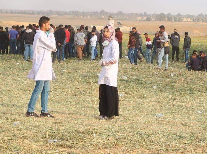 Razan berjaga-jaga bersama petugas medis lain