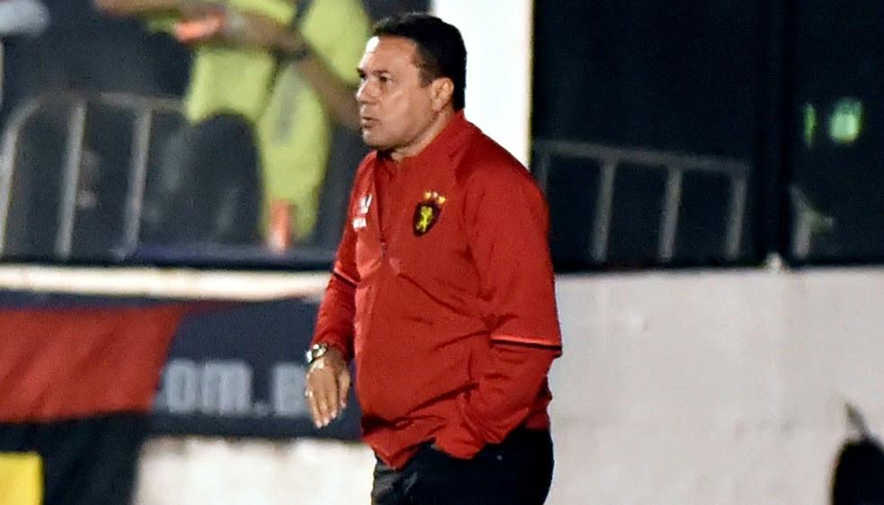 Vanderlei Luxemburgo elogiou atacante adversário Luis Fabiano (Foto: André Durão)