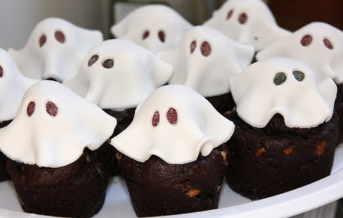 Cupcake ghosts