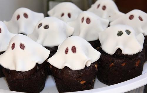 Cupcake ghosts