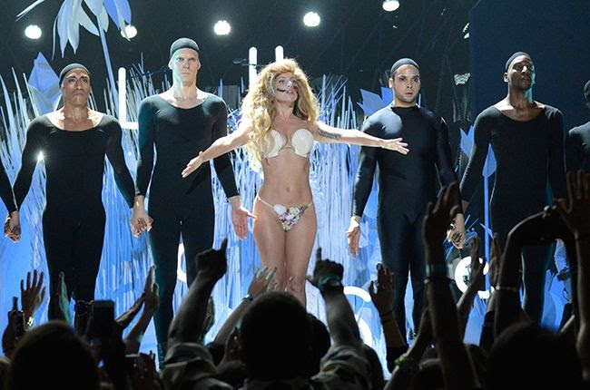 Lady GaGa : 2013 MTV VMAs photo lady-gaga-vma-650-b.jpg