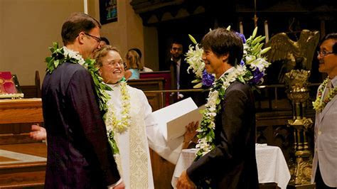 How Much Does a Wedding Officiant Cost?   HowMuchIsIt.org
