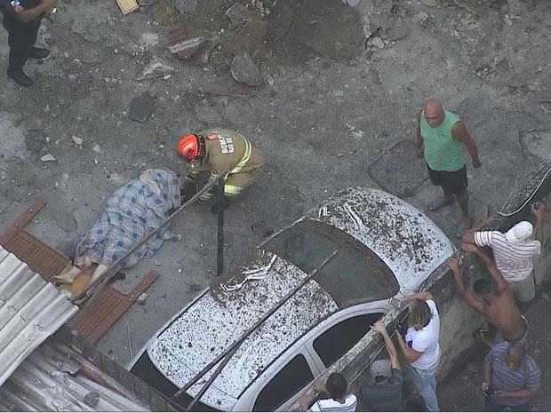 Explosão em prédio na Fazenda Botafogo deixou pelo menos quatro pessoas mortas (Foto: Reprodução / TV Globo)