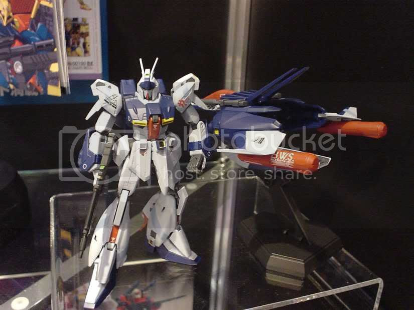 HCM Pro ReGZ - Refined Zeta Gundam, the Back Weapon System is also included.