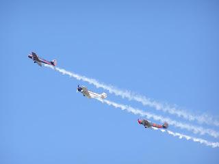 'Yakrobat' formation display team