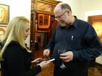 O escritora Ney Montingelli e o editor Anthony Leahy.