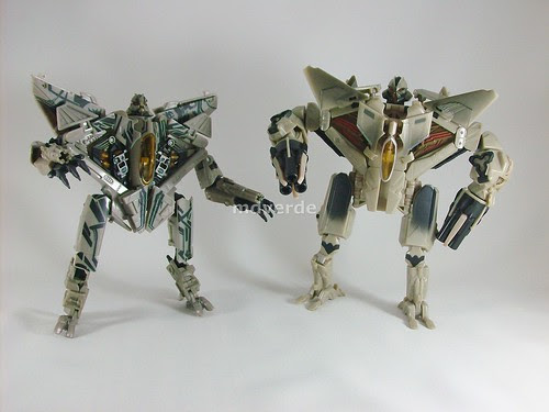 Transformers Starscream RotF Voyager vs Movie 1 - modo robot