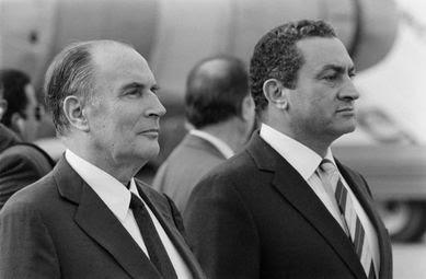 Mitterrand-et-Moubarack.jpg
