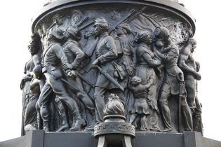 http://cdn.cnsnews.com/styles/content_40p/s3/confederate_monument_-_arlington_national_cemetry_wikimedia_commons_photo_0.jpg