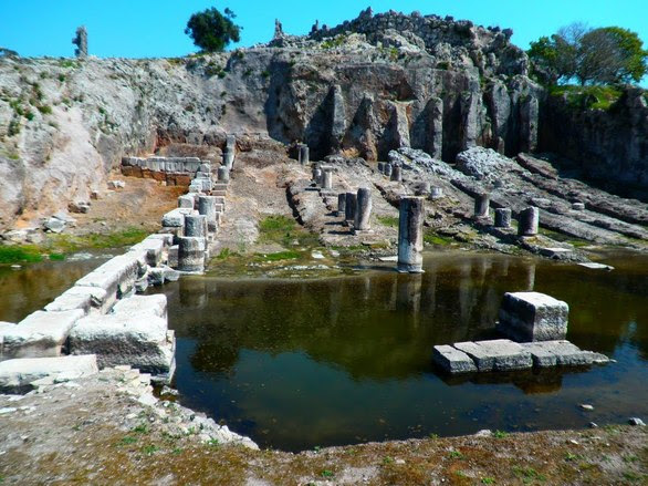 59 χλμ. μακριά από την Πάτρα κρύβεται ένας... πολιτισμικός παράδεισος (pics+vids)