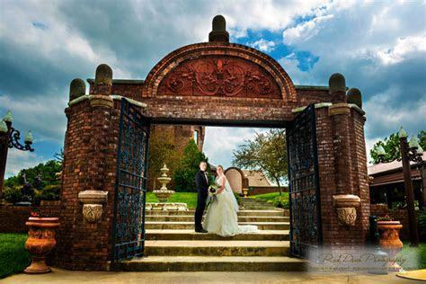 Castle Unicorn   Pacific Junction, IA Wedding Venue