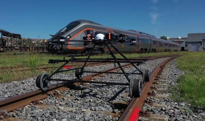 Норвежский дрон-инспектор самостоятельно ездит по железной дороге и улетает от встречных поездов