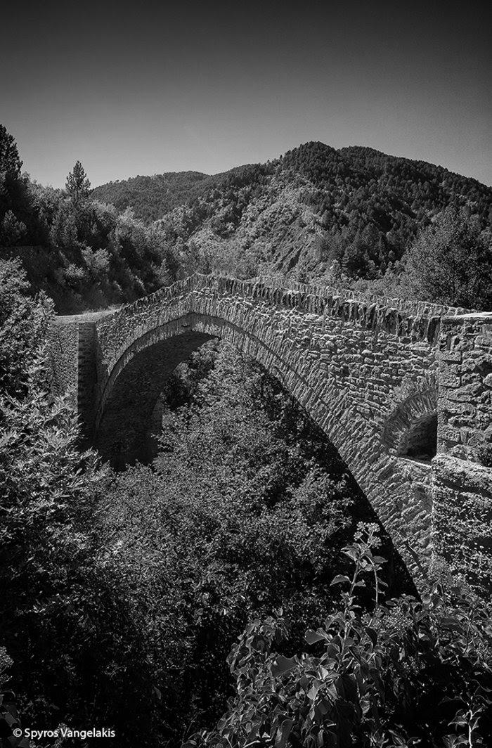 perierga.gr - Ιστορικά γεφύρια της Ηπείρου που αντέχουν ακόμα!