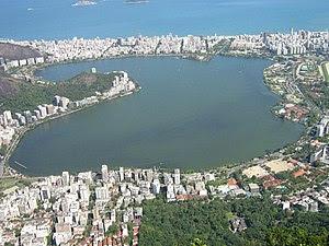 Lagoa Rodrigo de Freitas vista do morro do Cor...