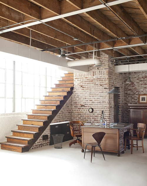 Loft Studio Over 6,500 square feet with sections 25-feet tall with clerestories and was originally the foundry and pattern shop for the factory.