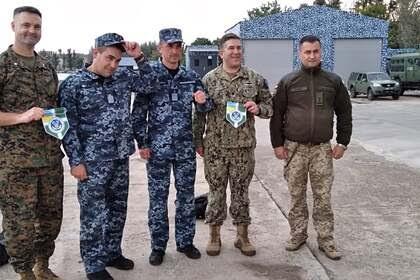Сотрудники американского посольства на Украине посетили Донбасс
